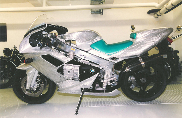 0 Bakker BMW R1#01